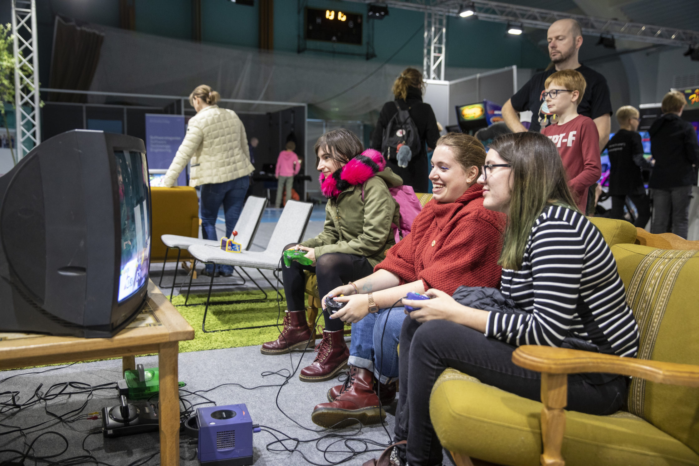VGE 2019: Playing together in the retro-corner